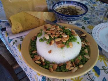 Zuccotto di riso con mandorle tostate, piselli e marsala