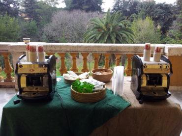 Coffee break con vista su giardino Villa Mirafiori Roma